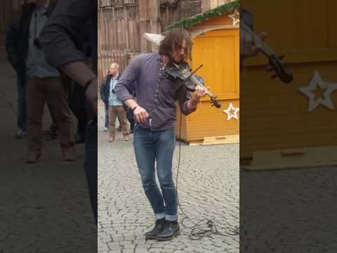 Amazing violonist 'the trouble notes '