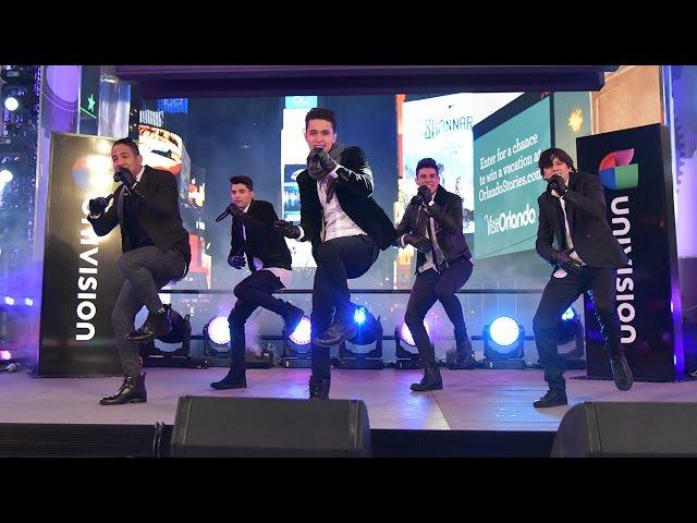CNCO - Devuélveme Mi Corazón - Times Square New York 2016