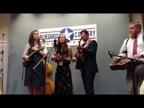 Flatt Lonesome - Bluegrass Country radio showcase IBMA 2018