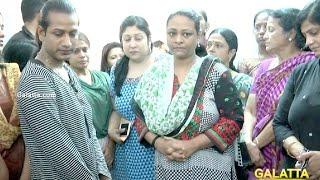 shakeela pays her last respects to actress jyothi lakshmi