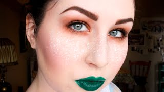 LOOK: GREEN LIPS & WHITE FRECKLES