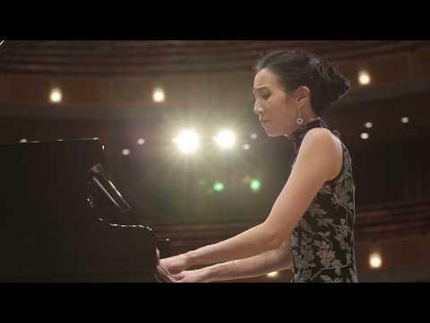 """Libby Yu performs """"LiuYang River"""" by Wang JianZhong"""