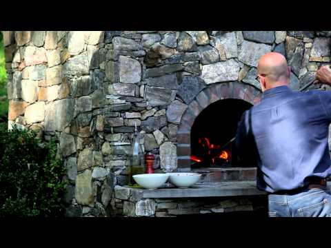 The Tucci Cookbook: Cooking at home with Stanley