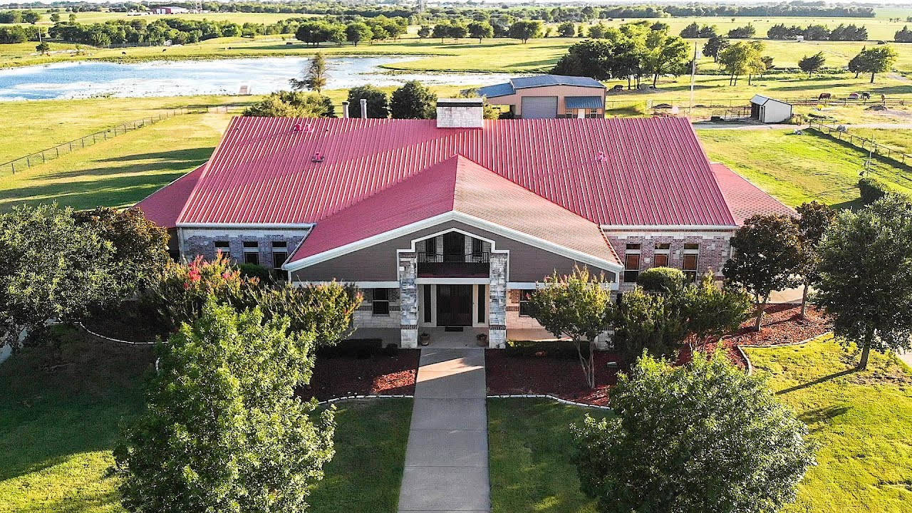 10,000 SQUARE FOOT TEXAS BARNDOMINIUM TOUR - YouTube Huge Barndominium