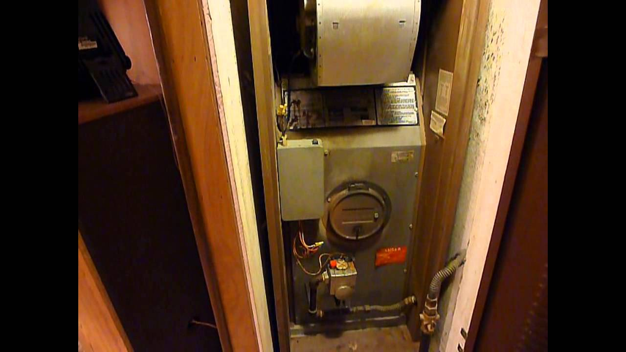 Intertherm Mobile Home Furnace Start & Shut Down - YouTube