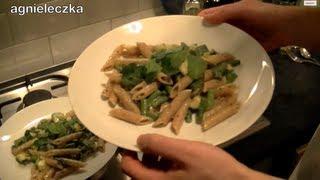 Agnieleczka gotuje z Kubą - makaron ze szparagami i cukinią w sosie cytrynowym (fit food) Thumbnail