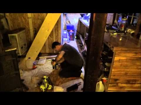 Building Tiny House Closet Using Free Reclaimed Pallet Wood
