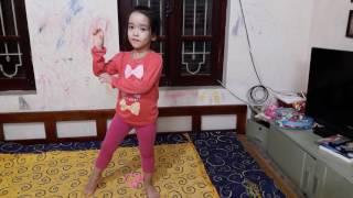 Youtuber Hà Vy hướng dẫn cách nhảy đẹp bài What does the fox say?
