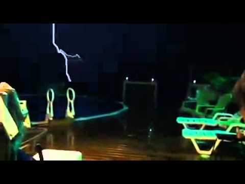 Lightning Strikes Swimming Pool Youtube