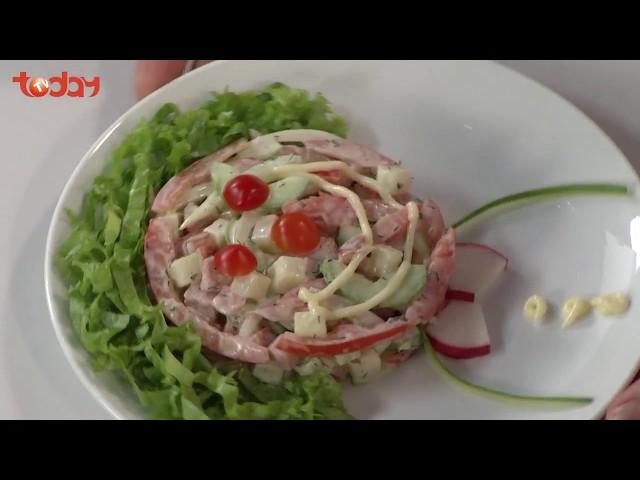 Lạ miệng với salad dưa leo trộn xúc xích   TodayTV