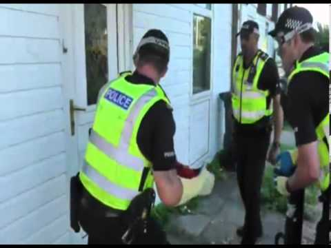 Leicestershire Police execute drugs warrants in Highfields