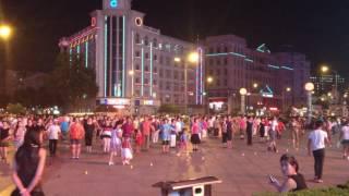 г.Далянь(Dalian City)(Китайские пенсионеры на вечерней зарядке., 2016-05-13T16:59:45.000Z)