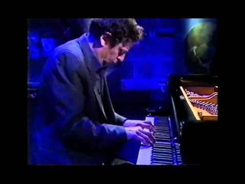 Philip Glass - solo piano (Metamorphosis)
