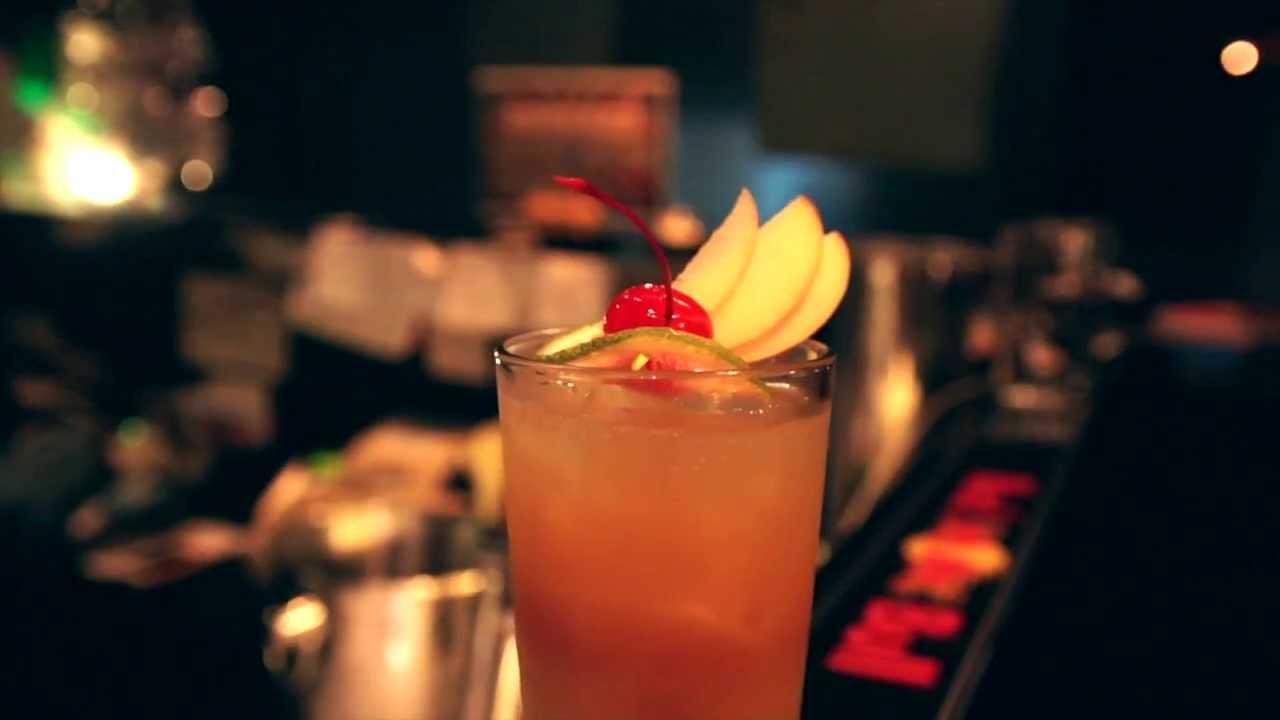 MJFLAIR 麥傑花式調酒 Garnish 裝飾物示範:「 Red Fan」 - Phoebe Liao(09倉庫) - YouTube