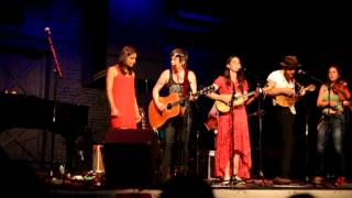 I just want you - Sara Bareilles W/everyone - Rock For The River 9