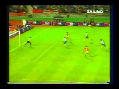 2000 (September 3) Hungary 2-Italy 2 (World Cup Qualifier).avi
