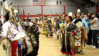 Young Nations Powwow 2009 - Grand Entry