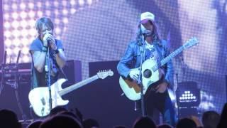 "Keith Urban ""Raise 'Em Up"" (feat. Jaren Johnston of The Cadillac 3) Live @ The Borgata Event Center"