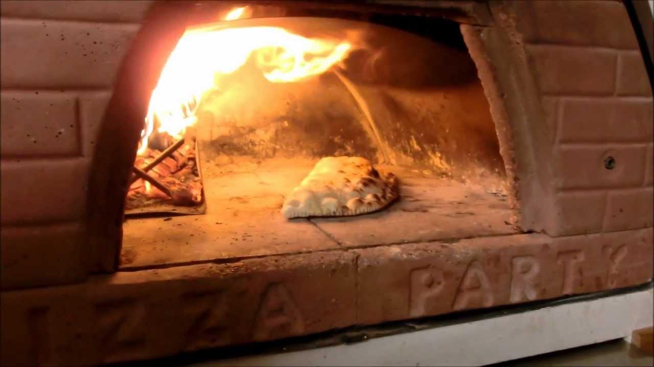 Come Usare La Pala Per Fare Quot Pizza Al Metro Quot Come