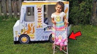Kids Pretend play BABYSITTING Baby Doll with food truck Toy