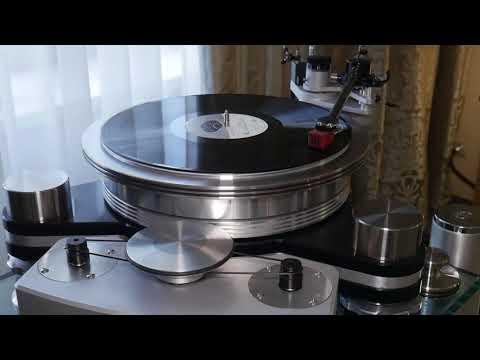 Акустика Audio Physic Avantera III [бинауральные записи выставки]