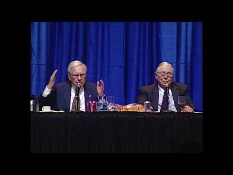 Warren Buffett on the newspaper business (2007)