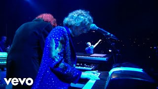 R.E.M. - Everybody Hurts (Live from Glastonbury Festival, 1999)