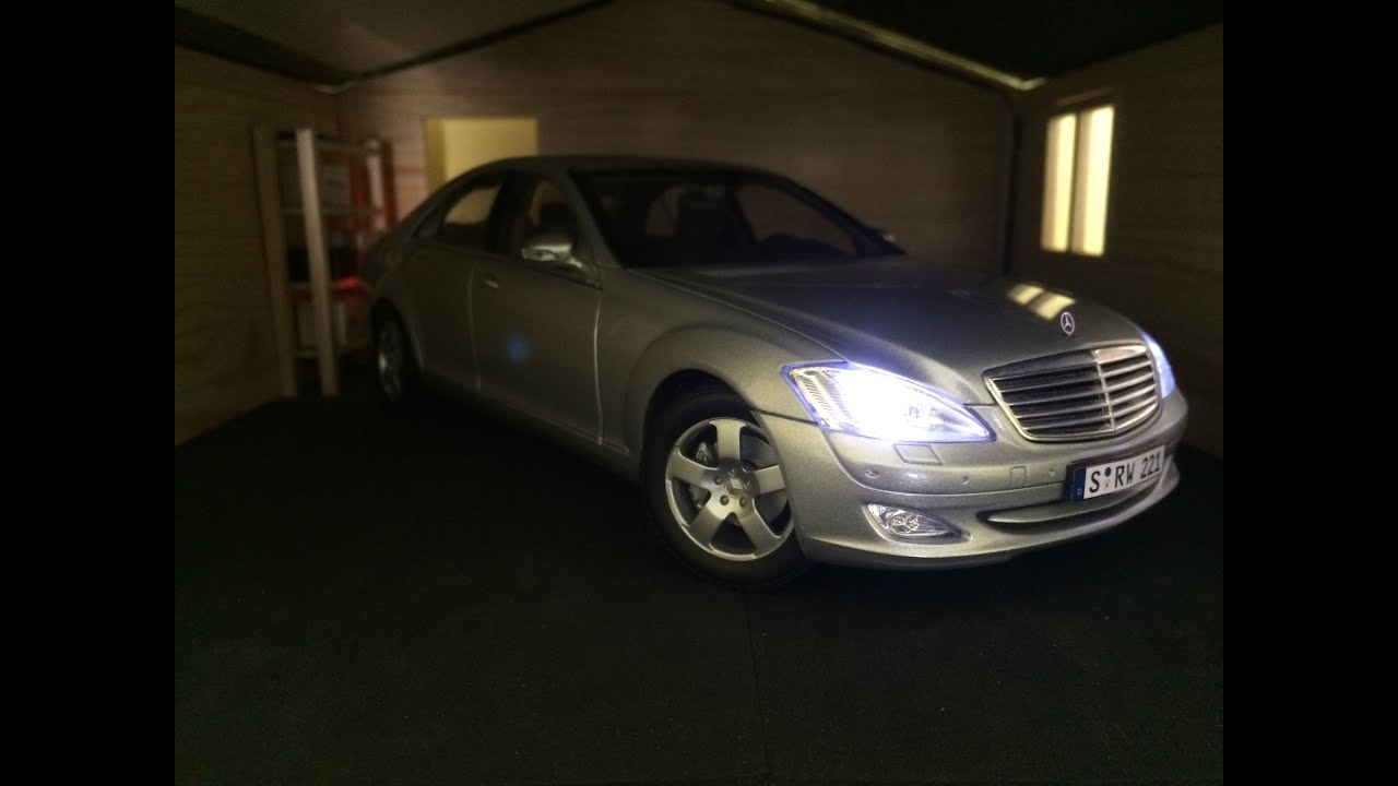 Mercedes-Benz S500 with LED lights 1:18 Autoart cast model car ...