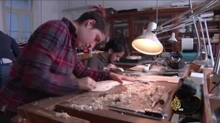 ازدهار صناعة آلة الكمان يدويا في إيطاليا