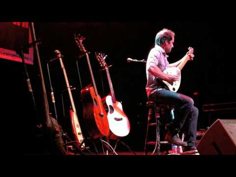 Trace Bundy – Sweet Child O Mine on 3 homemade instruments