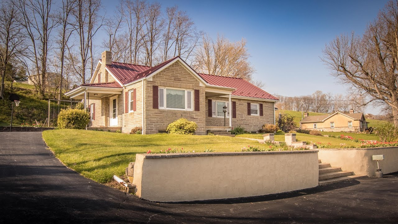 Rancher With Abseam Textured Burgundy Metal Roof A B Martin