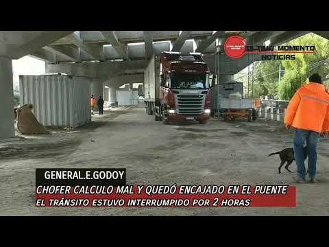 GODOY - HIZO UNA MALA MANIOBRA  Y CORTO EL TRANSITO POR 2 HS.