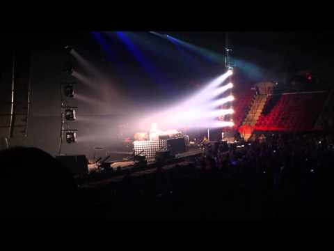 (1 of 5) Tommy Trash Live Opening at UMASS Amherst Mullins Center 2-21-13