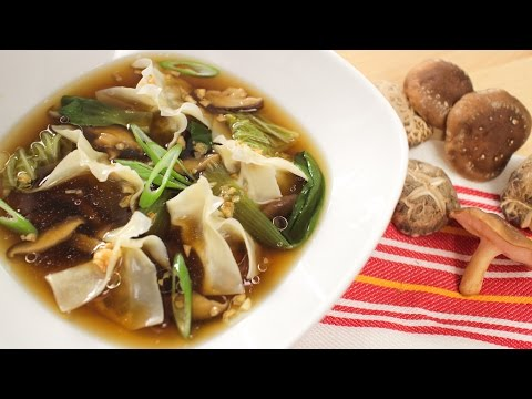 Mushroom Wonton Soup Recipe w/ Campbell's Hot Thai Kitchen!