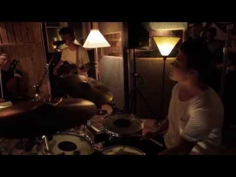 Reflections Of A Man - HARMONICS (Grapehouse Live Session)