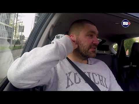 In de auto met Theo Maassen: 'Ik bevredig je voor succes van mijn film'