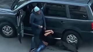 Mom takes down man trying to steal her car in Bronx