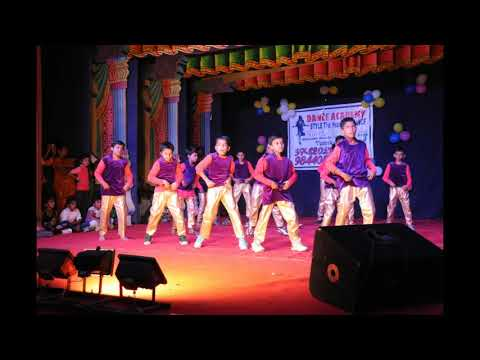 Self Made Shehzaada Dance Cover || Santhu Straight Forward