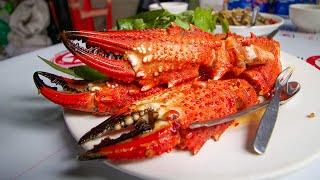 MASSIVE Crab Claws + Snails 🐌 & More | SAIGON Seafood Feast + DRUNK Noodles