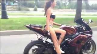 Мото трюки видео Девушки за рулем мотоцикла