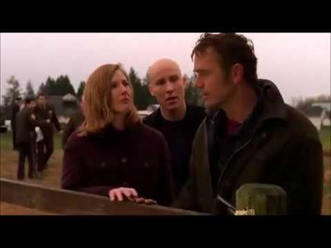John Scneider (Jonathan Kent) gave Anette (Martha Kent) his jacket