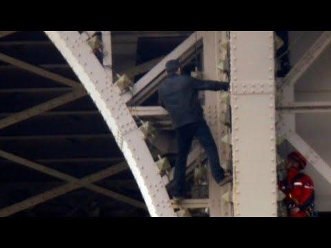 شاهد: اجلاء برج إيفل في باريس بعد أن تسلق رجل المعلم  - نشر قبل 39 دقيقة