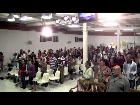 """Ile de la Réunion / Louange à l'église """"La Bonne Nouvelle de l'Evangile"""""""