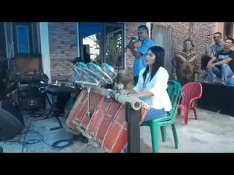 Download lagu terbaru CANTIK SEKALI PEMAIN TAGADING CEWEK INI BIKIN PRIA TERHARU mp4, download lagu gratis