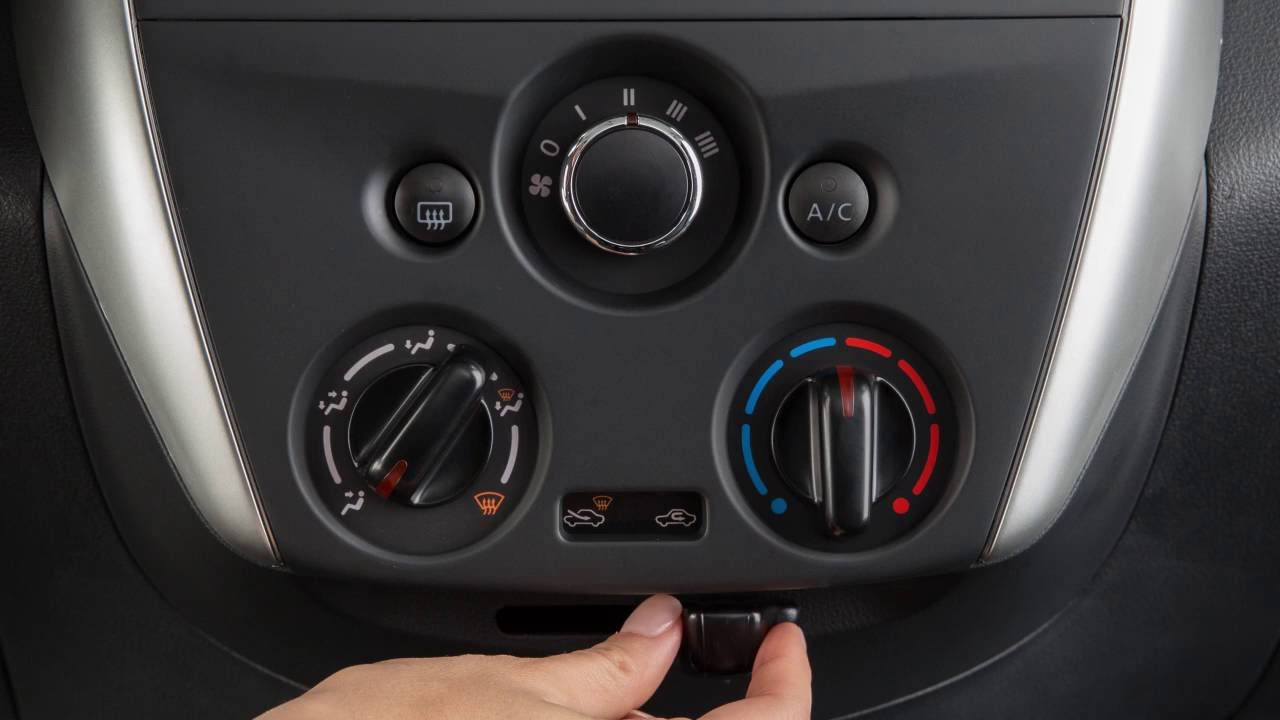 2017 Nissan Versa Sedan Heater And Air Conditioner Youtube