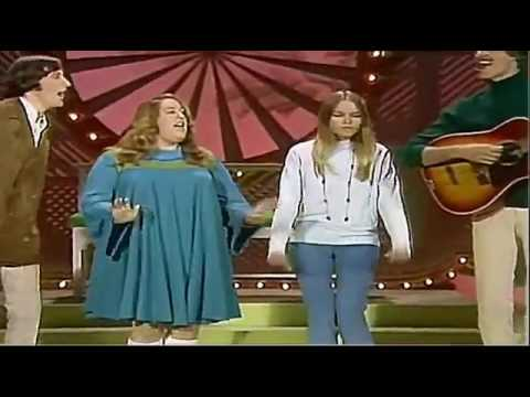 The Mamas & The Papas - Dancing In The Street