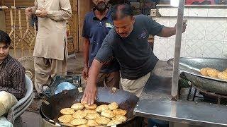 Ramadan Street Food Special   Kachori   Malpua Ramzan Street Food in Karachi Pakistan