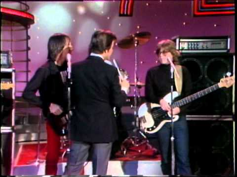 Dick Clark Interviews The Beat - American Bandstand 1980