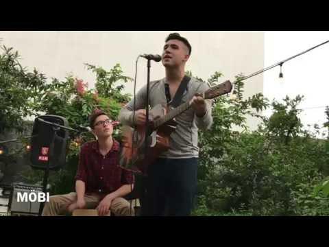 MOBI - Los malaventurados no lloran (cover unplugged)