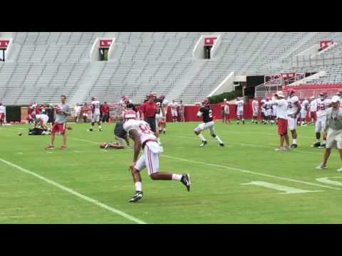 Alabama receivers warm up before 2016 scrimmage